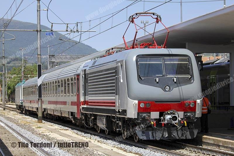 E464_218-Nuova_Livrea_ICGiorno-Corsa_prova-Foligno-2019-06-27-TordoniTito-IMG_7697_tuttoTRENO_wwwduegieditriceit