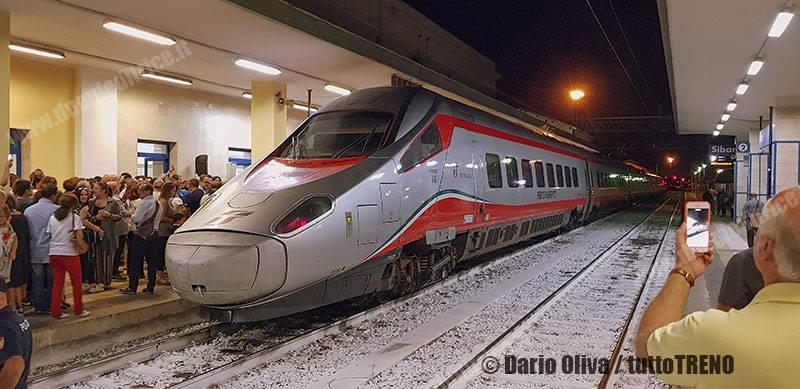 TI-ETR600_01-arrivo_primo_Pendolino_a-Sibari-2019-09-15-OlivaDario_tuttoTRENO_wwwduegieditriceit_200536