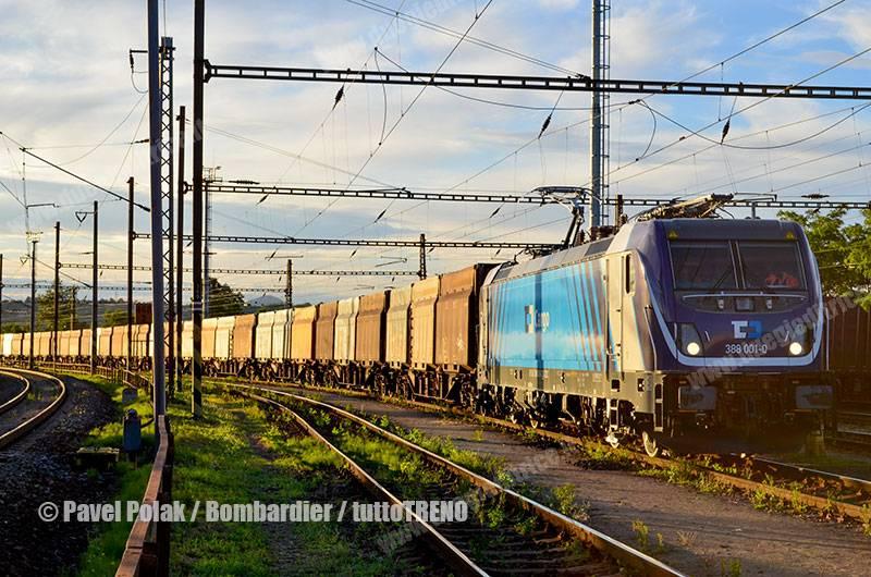 CDCargo-388001-TRAXXMS3-presso-MondiHnevice-fotoPavelPolak_Bombardier_tuttoTRENO_wwwduegieditriceit