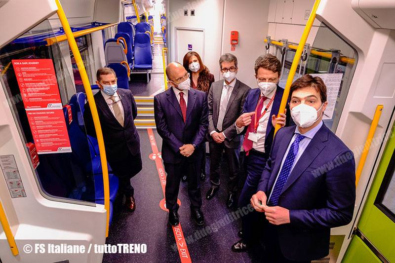 TI-ATR220-cerimonia_consegna-Ancona-2021-02-17-fotoFSItaliane_tuttoTRENO_wwwduegieditriceit_b