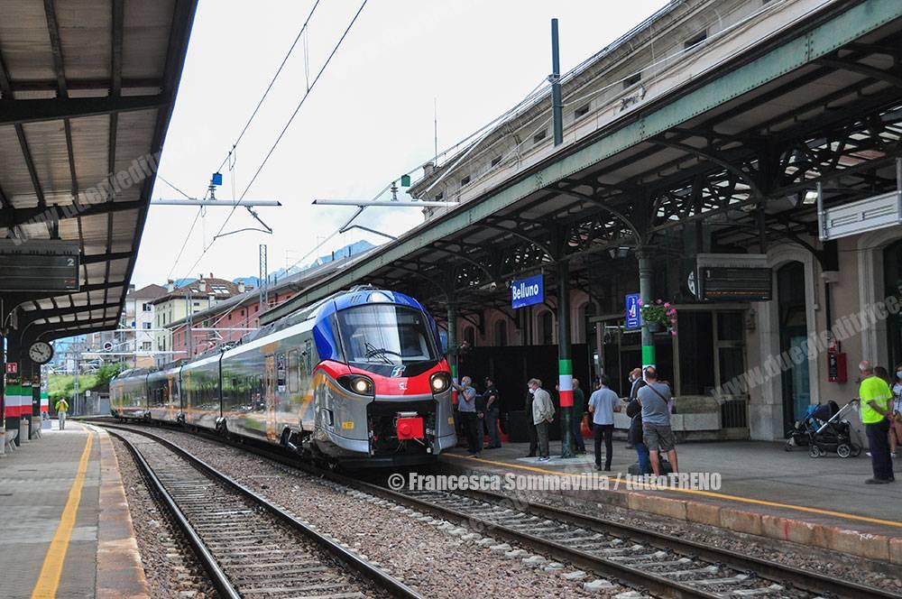 Trenitalia-ETR104_062-Pop-Treno_16856-Treno_Inaugurale_Trazione_Elettrica-Stazione_Belluno-Vnerdi-2021-06-11-FrancescaSommavilla001_tuttoTRENO_blogtuttotreno.it_wwwduegieditriceit