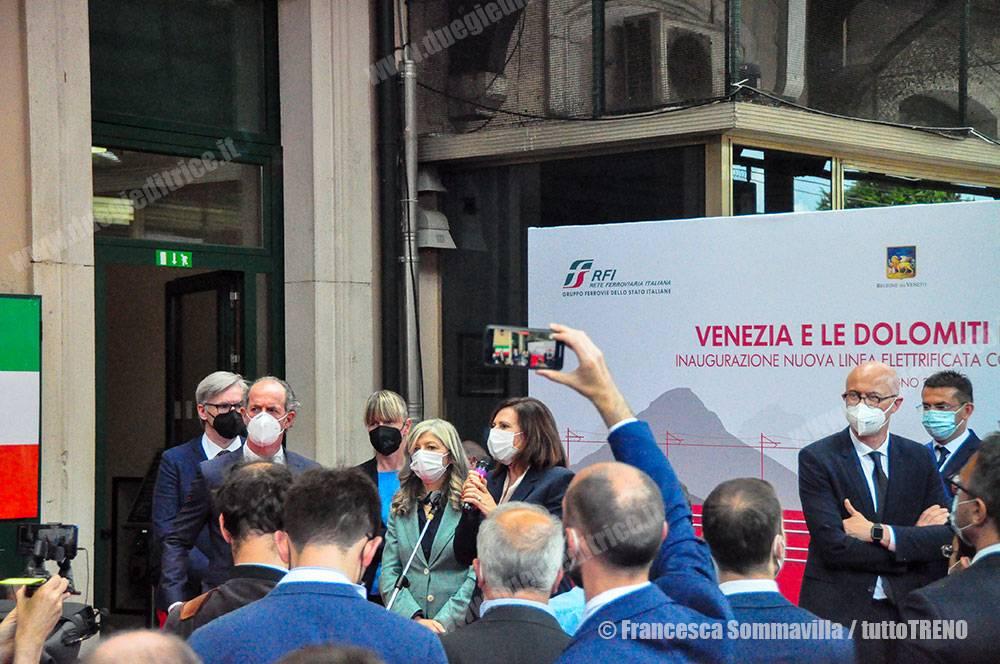 Trenitalia-Treno_Inaugurale_Trazione_Elettrica-Stazione_Belluno-Vnerdi-2021-06-11-FrancescaSommavilla-DSC_0529-2_tuttoTRENO_blogtuttotreno.it_wwwduegieditriceit